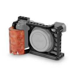 SmallRig Cage pour Sony A6500 avec poignée en bois - 2097